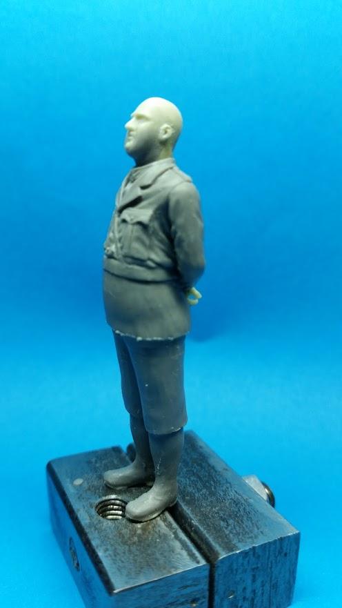 Le râleur, british officer WW1 5srYJYQzkvYoXiLXLnD_4roX2e2YYv3QHF1eaEZ03wQwWK-HvD_VcdHNfnn4dAKIwk-VRLFShcGp=w496-h881-no
