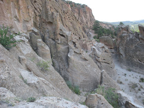 Photo: Bandelier cliff dwellings