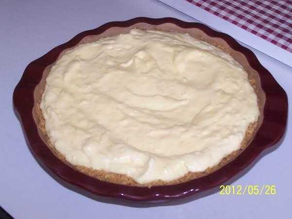 Summertime Banana Coconut Cream Pie