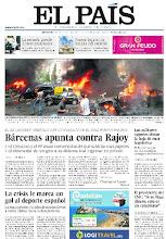 Photo: En la portada de EL PAÍS: Bárcenas apunta contra Rajoy; La guerra siria estalla en el corazón de Beirut; La crisis le marca un gol al deporte español http://srv00.epimg.net/pdf/elpais/1aPagina/2013/07/ep-20130710.pdf