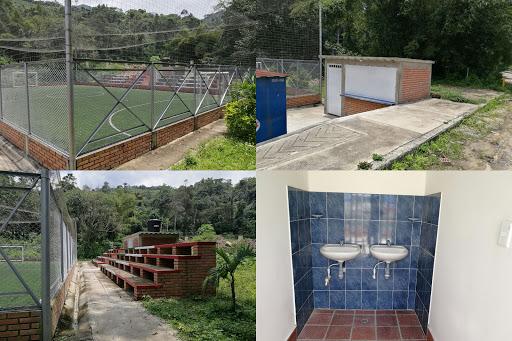 Culminan obras de mejoramiento de la cacha sintética de fútbol 8 del municipio