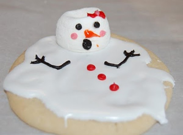 Then just decorate as you'd like with the Wilton frosting, or your own homemade...