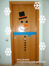 Photo: ¿Ya tienes tu casa decorada? Pásate por mi blog si quieres hacer un muñeco como este ;-) Feliz Día!!! http://annaorduna.blogspot.com.es/2013/12/decoracion-de-navidad.html