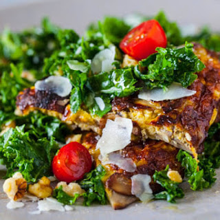 Kale Salad with Mushroom Omelet
