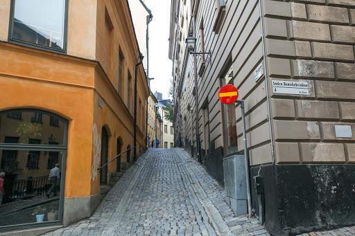 Gamla-stan-side-street.jpg - A side street in Stockholm's old town of Gamla stan.