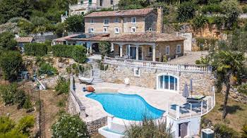 Villa 8 pièces 287,84 m2