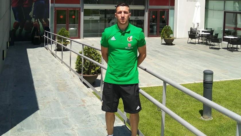 Fernández Cintas, de 4º en el Elche - Mallorca