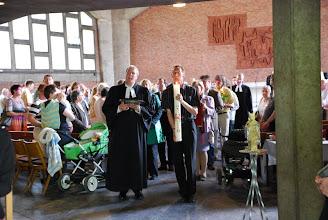 Photo: Auszug der liturgischen Gegenstände aus der Corvinuskirche