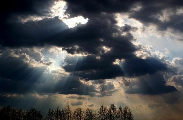 C' è sempre il sole sopra alle nuvole di carlo-bi