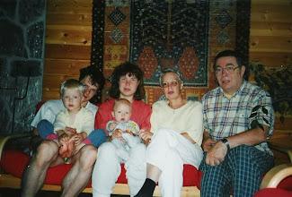 Photo: 19970900 Mujuset, mummi, vaari