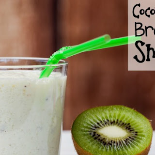 Coconut-Kiwi Breakfast Smoothie.