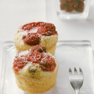 Raspberry and Sour Cream Cakes Recipe