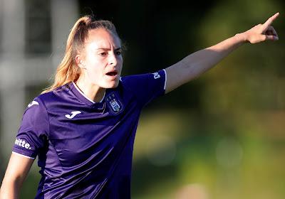 Tessa Wullaert schiet RSC Anderlecht met twee goals naar de titel