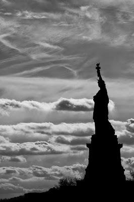 American Liberty Silhouette di Andrea Izzotti