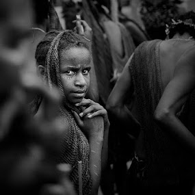 Through her eyes by Faried Kactoez - Black & White Portraits & People