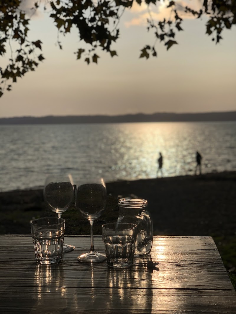Glass at the lake di Jennyconlagei