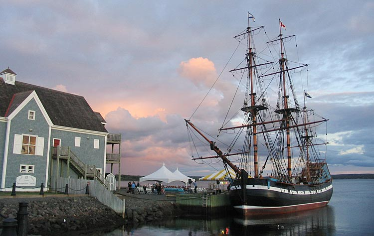 The Hector Heritage Quay chronicles the voyage of the Hector, which sailed into Pictou Harbour, Nova Scotia, with 189 Scottish immigrants in 1773.