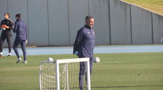 José Gomes en el entrenamiento de este jueves en el Anexo.