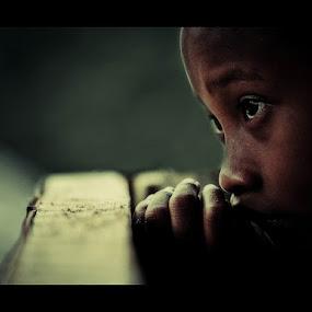 pray by Yungki Dblur - Babies & Children Children Candids ( expression, stare, children, pray, portrait, hope )