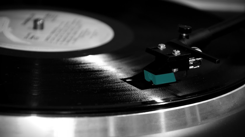 """""""Hoy escribo a hombros de la epopeya, o sea con el fondo de bandas sonoras"""""""