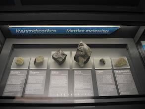 Photo: Martian météorites.