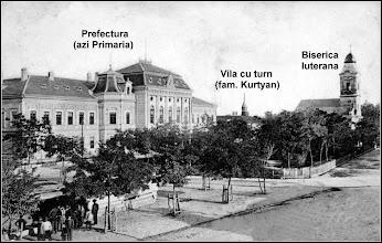 Photo: Piata 1 Decembrie 1918 - 1913 - vila cu turn a fam Kurtyan sursa . Facebook, R.C. https://www.facebook.com/photo.php?fbid=1593075654339249&set=a.1461038877542928.1073741826.100009104908756&type=3&theater  1905 - Pagina din calendarul publicat de Primarie in anul 2011 sursa Remus Jercau, calendar primarie   Regi https://www.facebook.com/regikepeslapok/photos/a.1008949319120123.1073741848.996673943680994/1008949622453426/?type=3&theater  din 1913, sursa postcards http://postcards.hungaricana.hu/hu/103703/  Facebook, Dana Deac https://www.facebook.com/photo.php?fbid=311386152582844&set=a.311384392583020.1073742262.100011343845541&type=3&theater