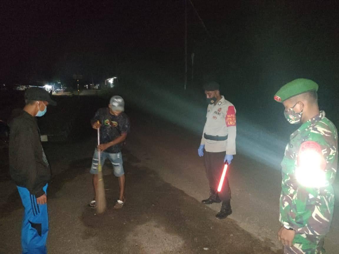 3 Pilar Laksanakan Operasi Yustisi Pada Malam Hari Di Kel. Pangkut