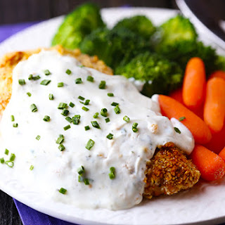 Healthier Crispy Baked Chicken with Greek Yogurt Ranch Sauce