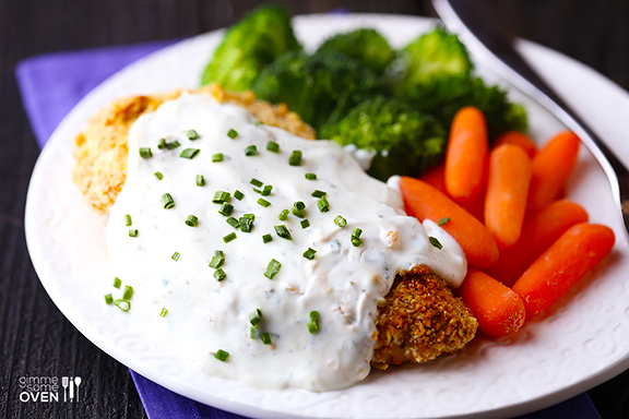 Healthier Crispy Baked Chicken with Greek Yogurt Ranch Sauce Recept ...