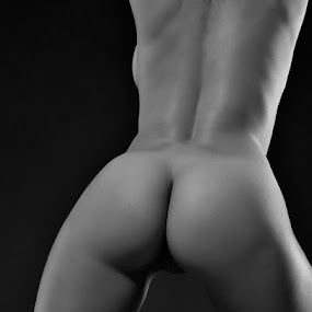 the back by Shaun HODGE - Nudes & Boudoir Artistic Nude