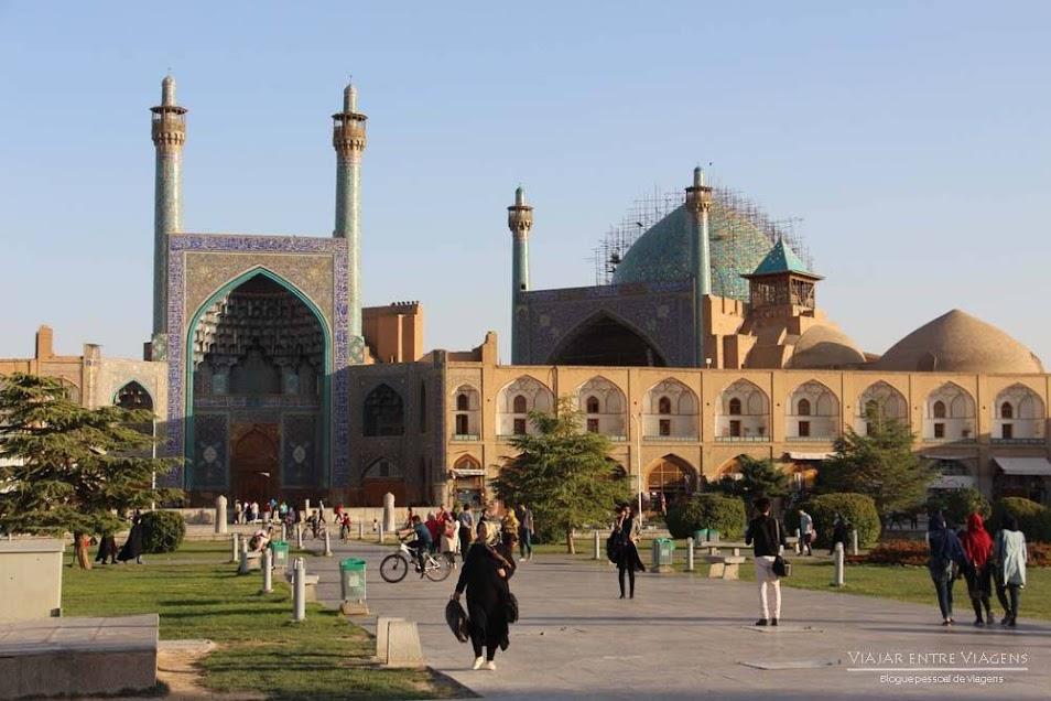 Visitar Isfahan e dormir num palácio no GHASR MONSHI HOTEL | Irão