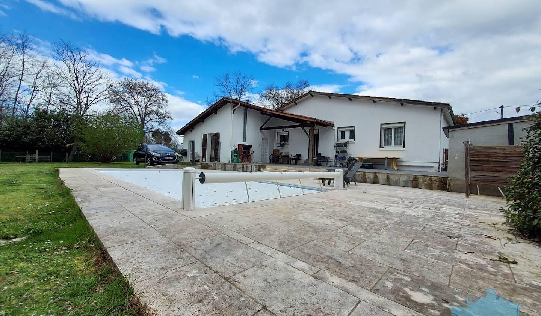 Maison avec piscine et terrasse Langon