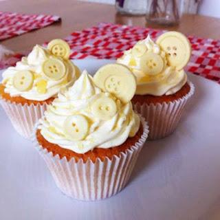 Lemon cupcakes with lemon Italian meringue buttercream