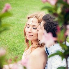 Wedding photographer Elena Nikolaeva (springfoto). Photo of 10.02.2015