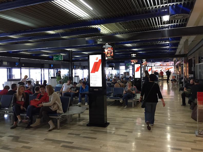 ザグレブ空港 待合室