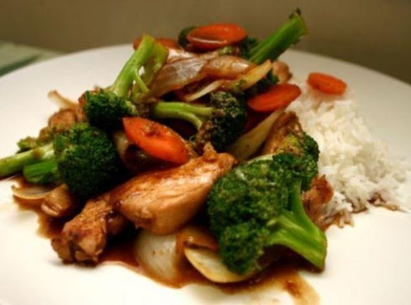 Combine chicken with remaining 1 Tablespoon each cornstarch and soy sauce.in a medium bowl.Heat...