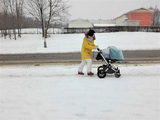 Passeggiata nella neve di adimar