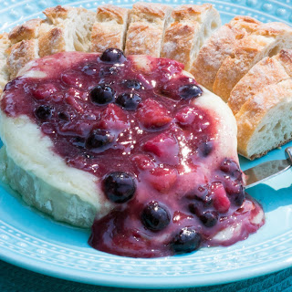 Baked Brie With Fresh Peach and Blueberry Compote #FreakyFriday.