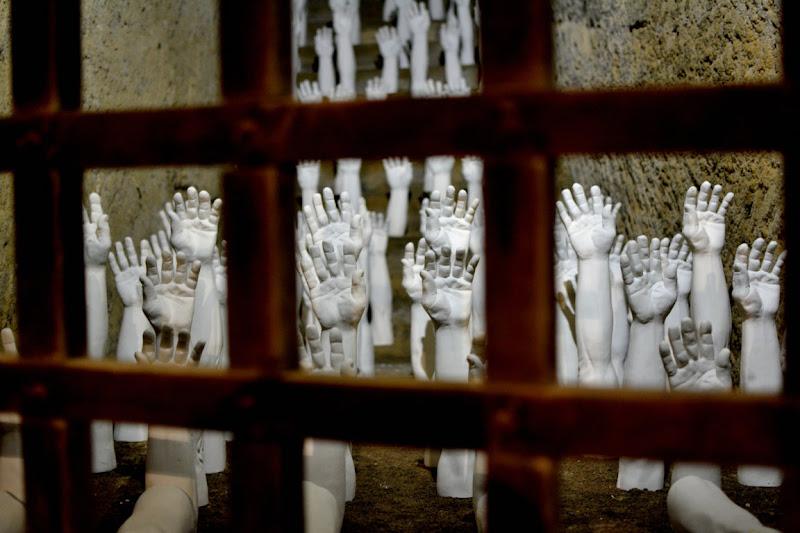 Mani imprigionate di akidelpre
