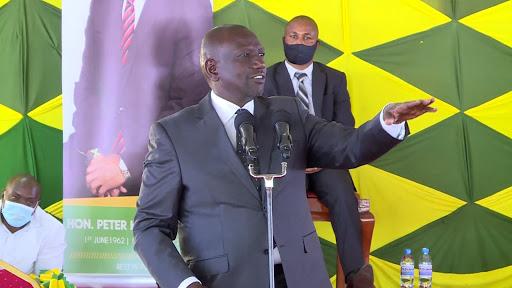 Ruto defends 'wheelbarrow economics' dismisses Raila's reggae as bravado