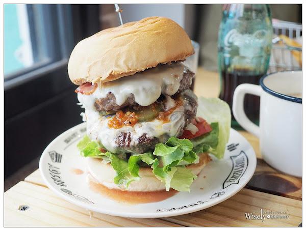 新北永和。要等手作漢堡排專門店︱厚實多汁純牛肉漢堡排,辣辣肉醬堡也優