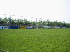 Photo: 28/04/07 v Carlton Town (Northern Counties East League Premier Division) 1-2 - contributed by Christine Morgan