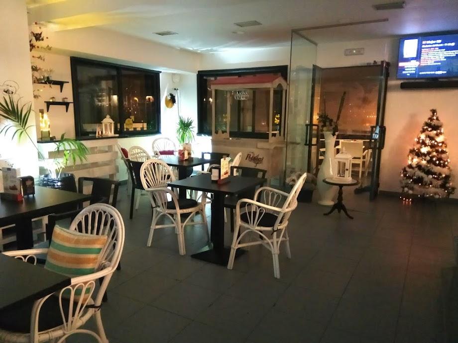 Foto El Balcón Cafe Bar 1