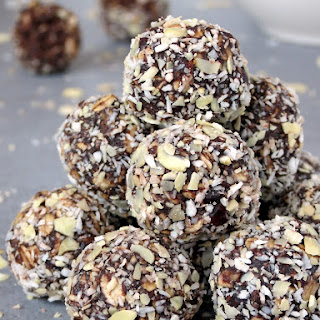 Healthy No-Bake Chocolate Energy Bites Recipe