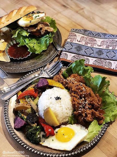 Showtime-Original 台南早午餐美食 好像來到歐洲古董店用餐早午餐 下午茶 咖啡