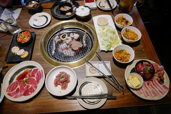 乾杯燒肉居酒屋 安平店 店員活潑氣氛熱鬧,午間超值燒肉套餐挺划算!
