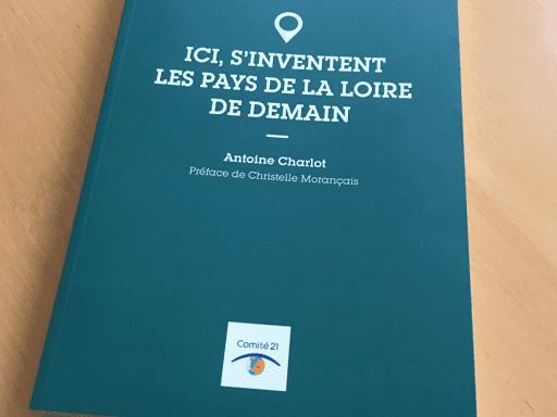 """Mise en page du guuide et livre sur le développement durable en pays de la Loire """" ici, s'inventent les pays de la Loire de demain en collaboration avec le Comité 21, le Comité français pour le développement durable _Nantes 44 Pays de la loire"""