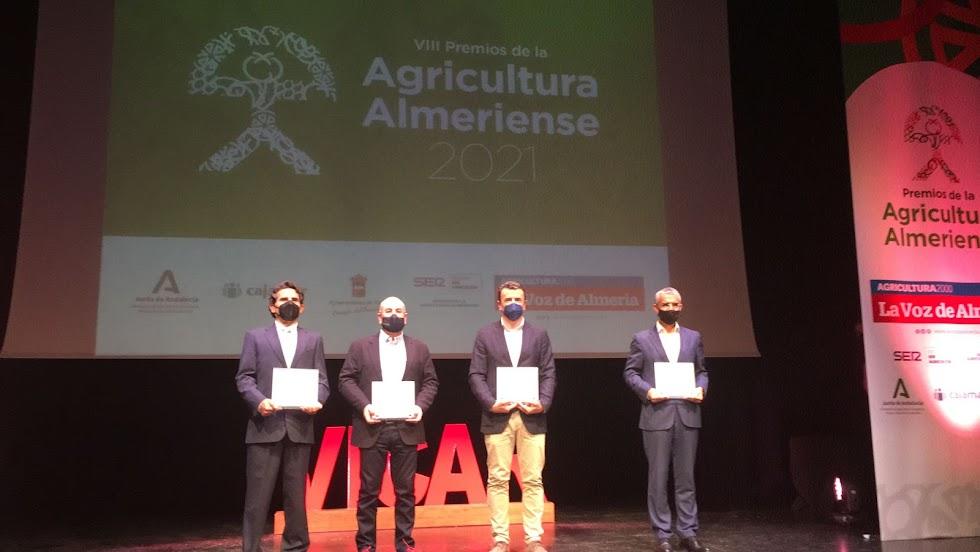 Foto de los premiados.