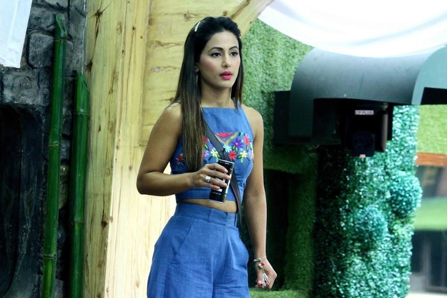Hina khan in Bigg Boss Photos, Hina khan in Blue Dress, Hina khan Beautiful Wallpaper, Hina khan HD wallpaper