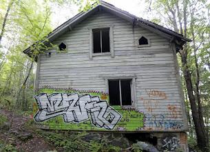 Photo: Ruohonvihreää graffitissa